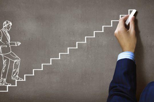 executivo-escada-promocao-trabalho-1412179105114_956x500